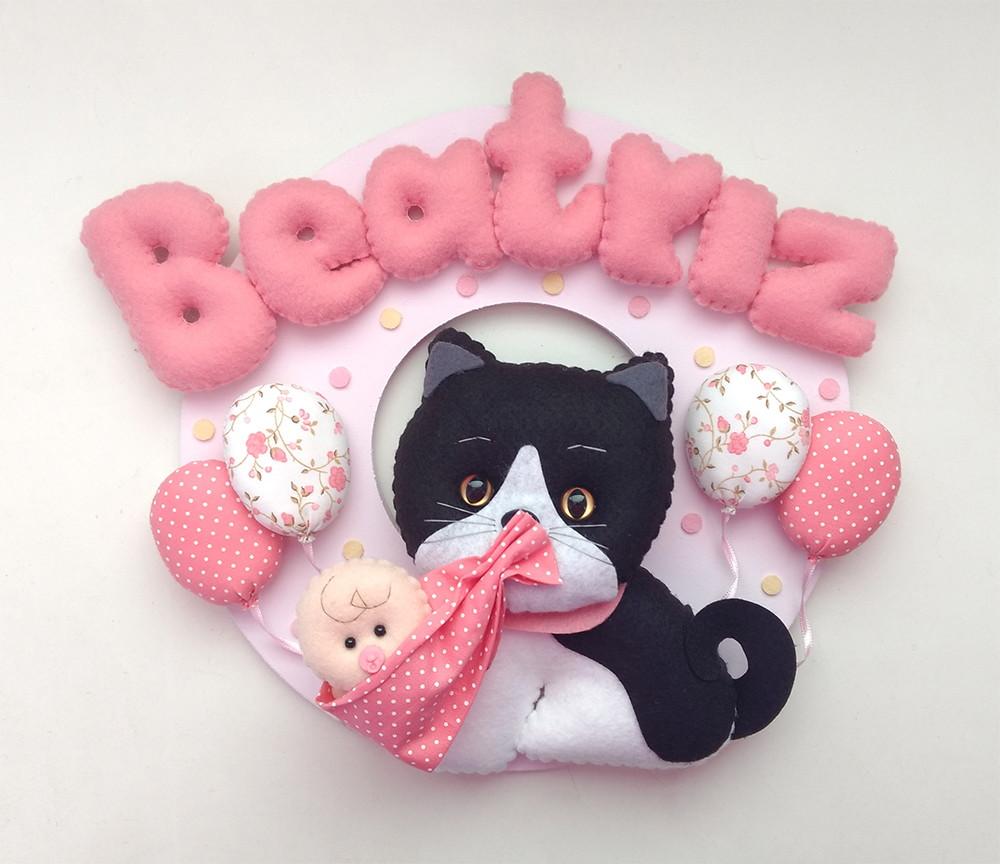 Enfeite Porta Maternidade Gatos Com Bebê No Elo7 Bolinha De Pano a7eef68583