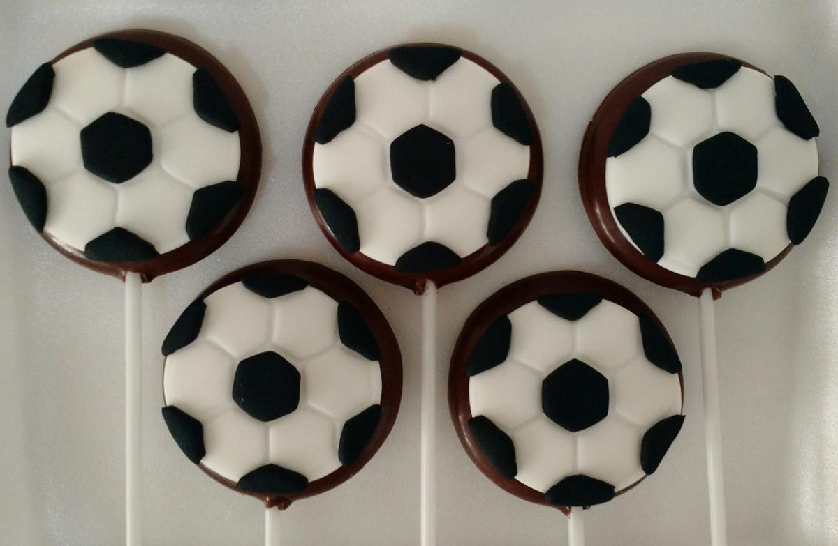2de9cf0574 Pirulito bola de futebol no Elo7