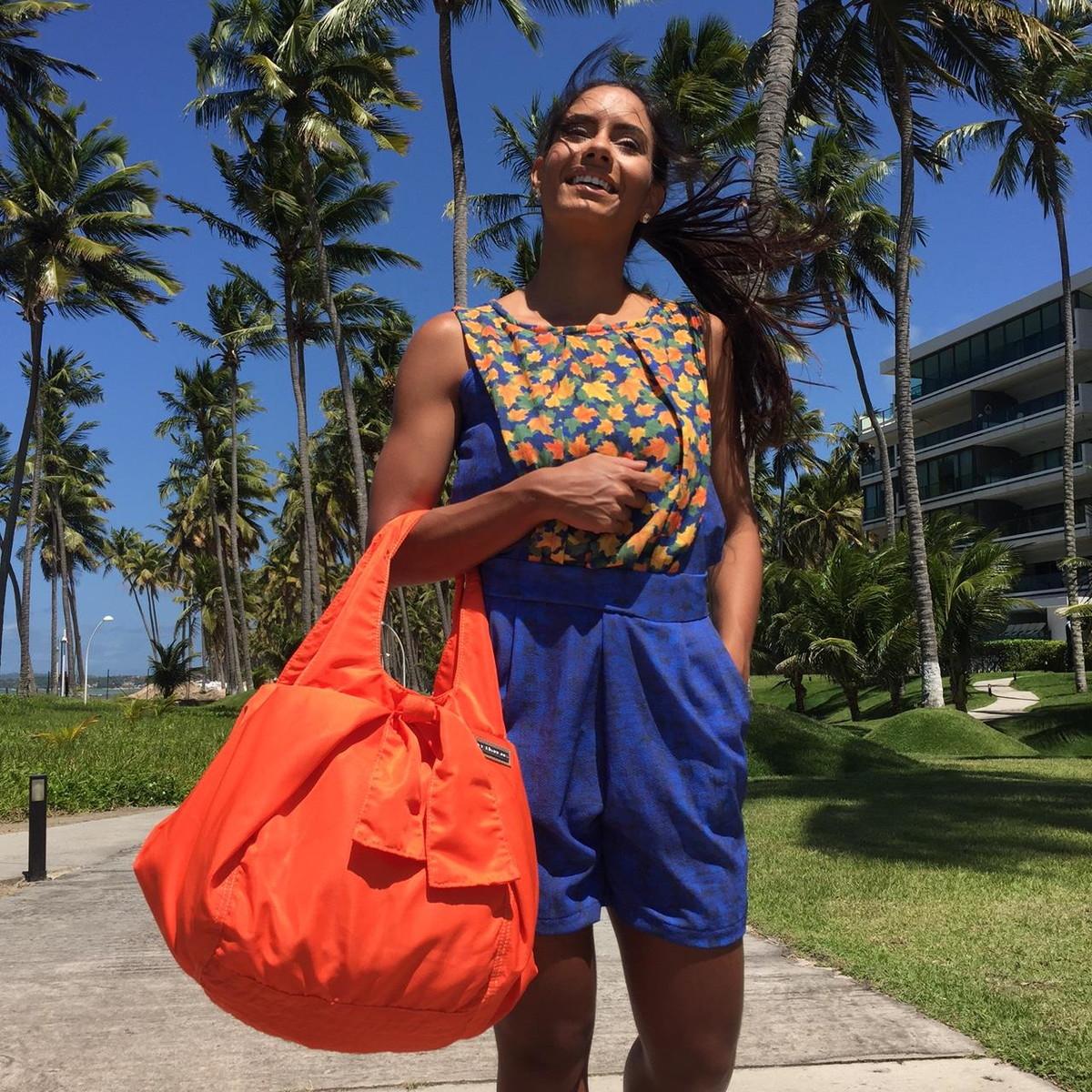 54145b09f Bolsa feminina tecido nylon laranja House no Elo7 | PATRICIA ...