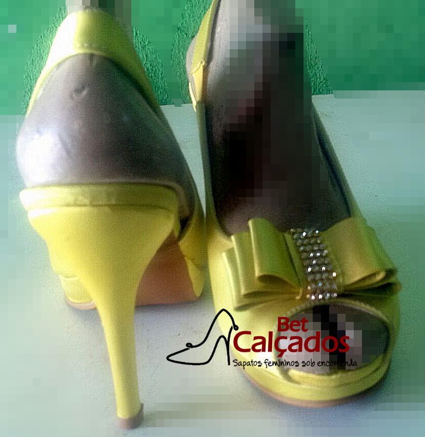 868f9fc6e3 Sandália Chanel amarelo laço no Elo7