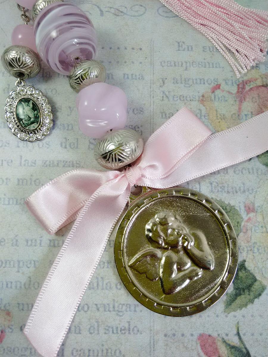 c90b24f66 Medalhão de Berço Anjo da Guarda Redondo no Elo7