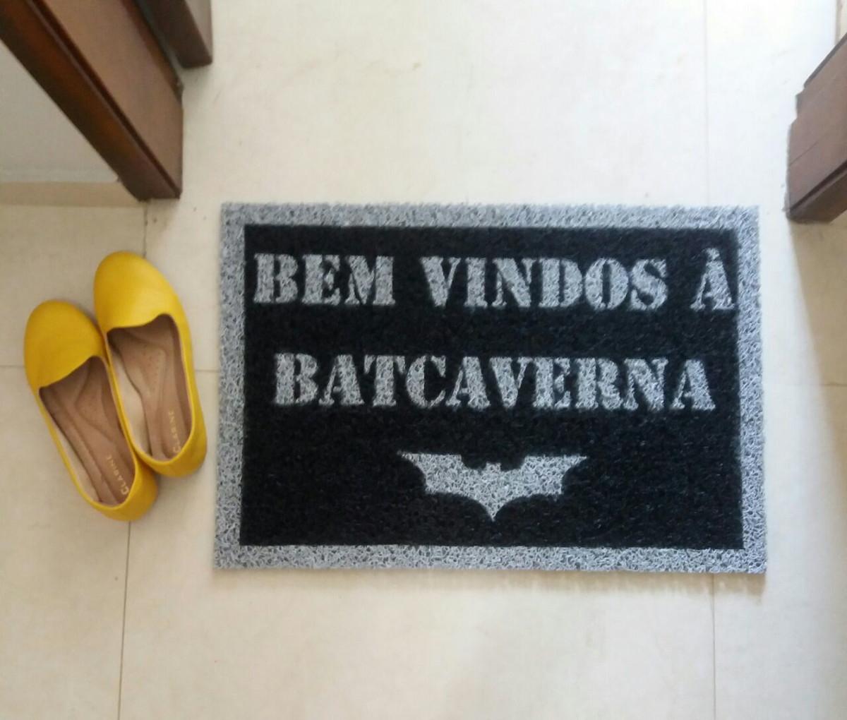 f3a751b3d5 Bem-vindos a Batcaverna + símbolo (preto) no Elo7