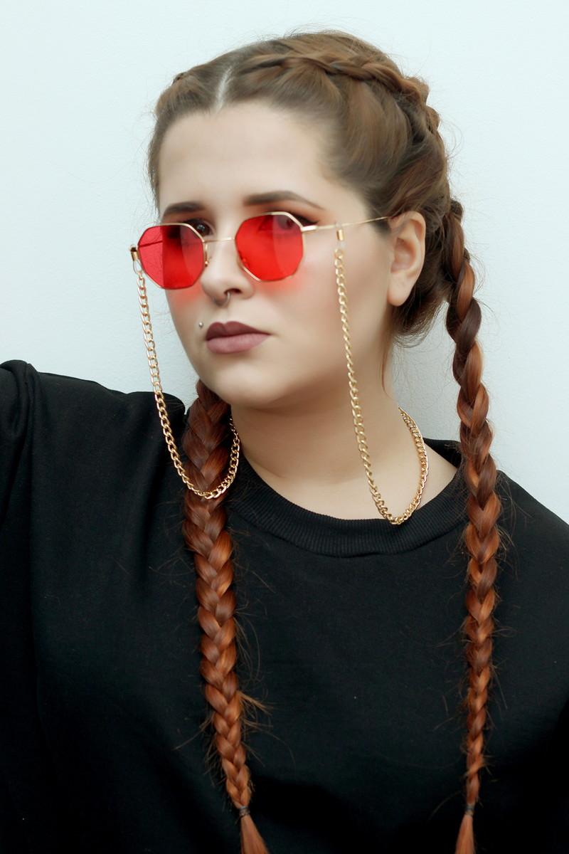 da9097bfe9327 Corrente de Óculos dourada (cordinha de óculos) no Elo7   É tipo ...