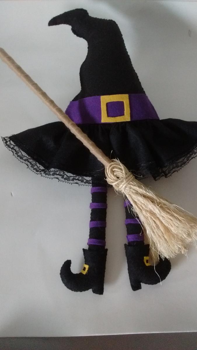 589eb744ee Enfeite de porta chapéu de bruxa no Elo7 | Atelier Encantos com ...
