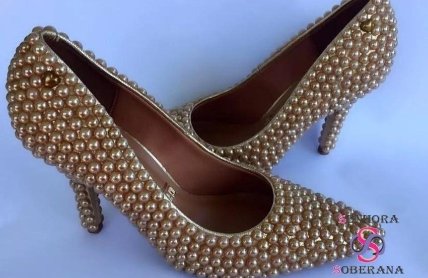 bd352a3eba Sapato Scarpin perolado Dourado (casamentos)(Festa)(Eventos) no Elo7 ...