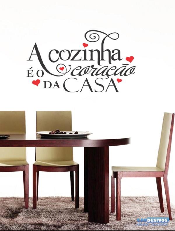 98347ca18 Adesivo Decorativo de Parede Frases A Cozinha é o Coração no Elo7 ...