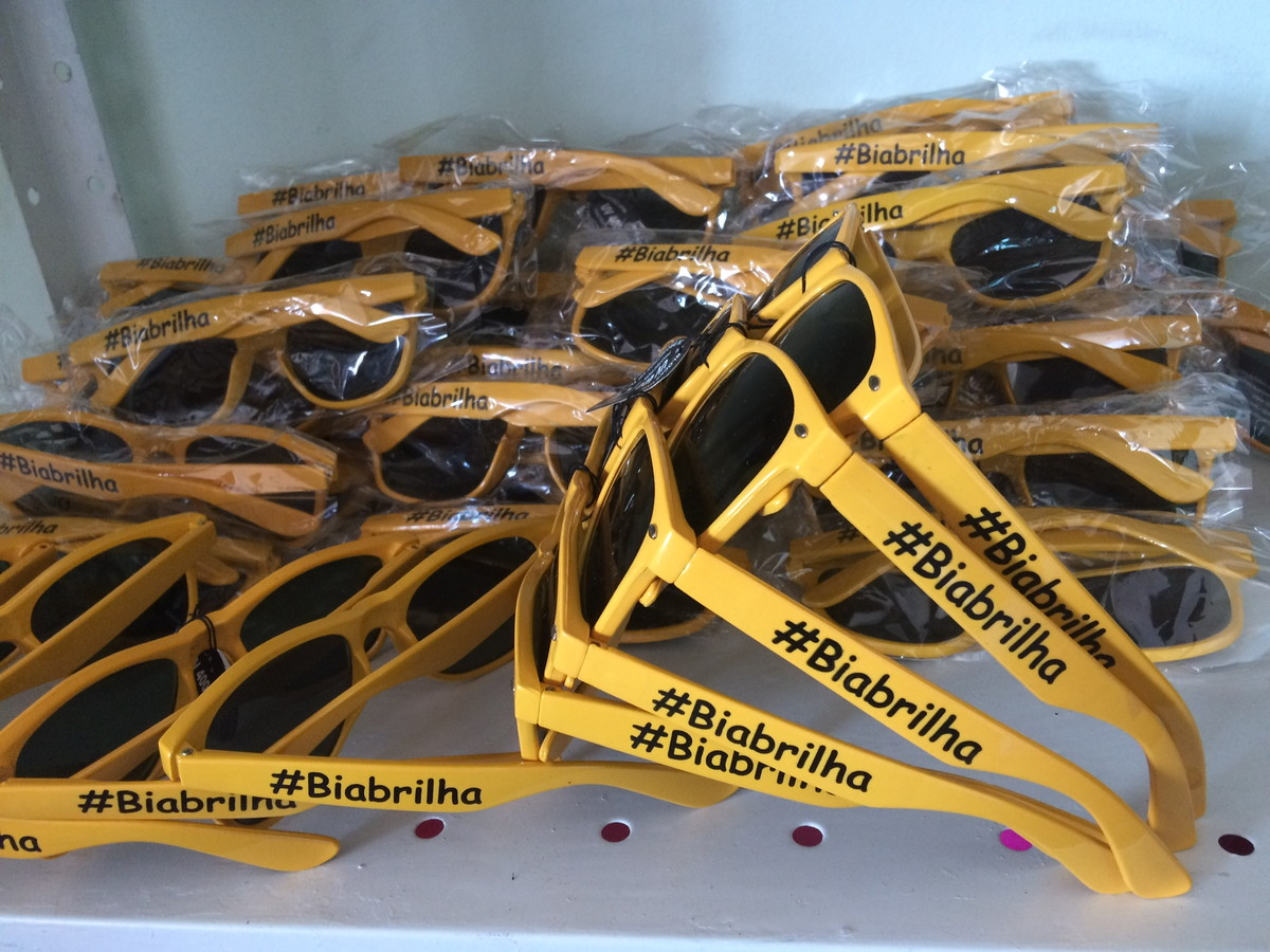 25063b13c Óculos de sol personalizados evento  casamento no Elo7