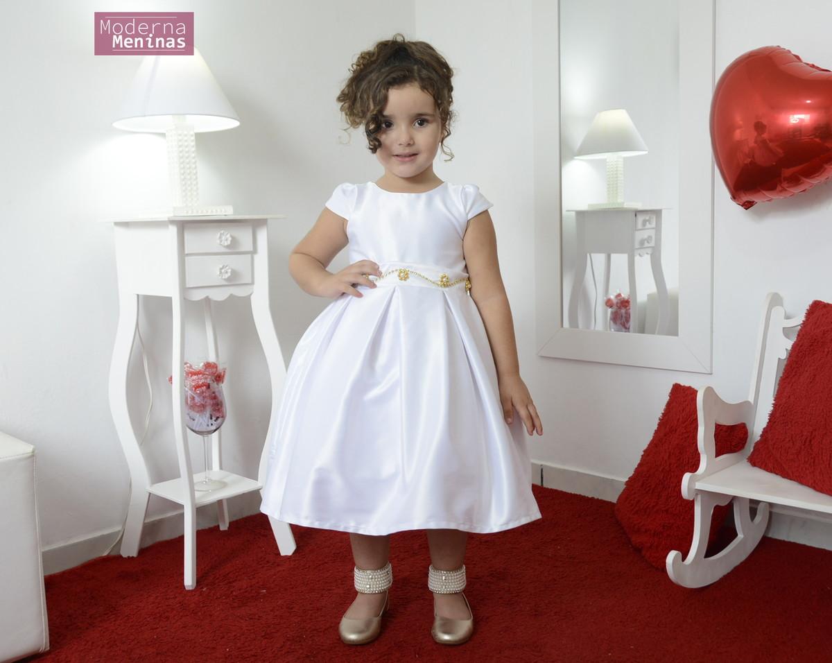 e8195611f4 Vestido infantil branco cor única com bordado em pedrarias no Elo7 ...