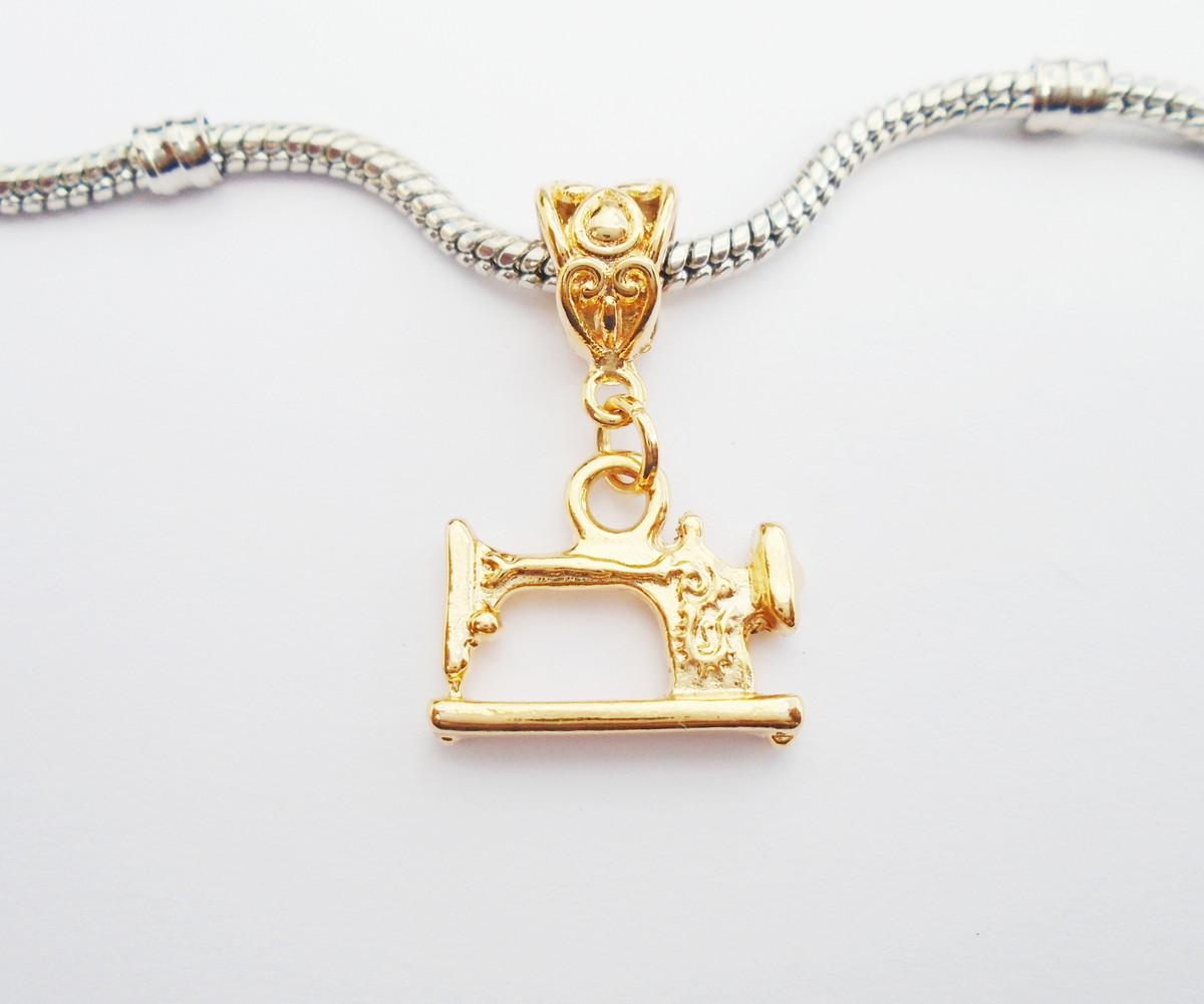 4f7b774e1a117 Pingente Banh Ouro 18k - Maquina costura  no Elo7   HEVA Semi Joias ...