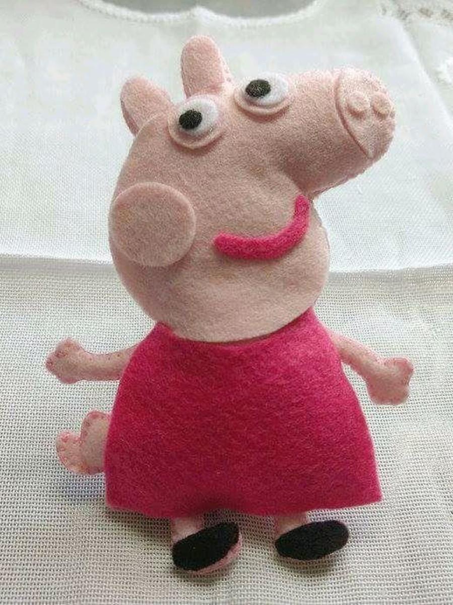 Zoom · Boneca - Peppa Pig