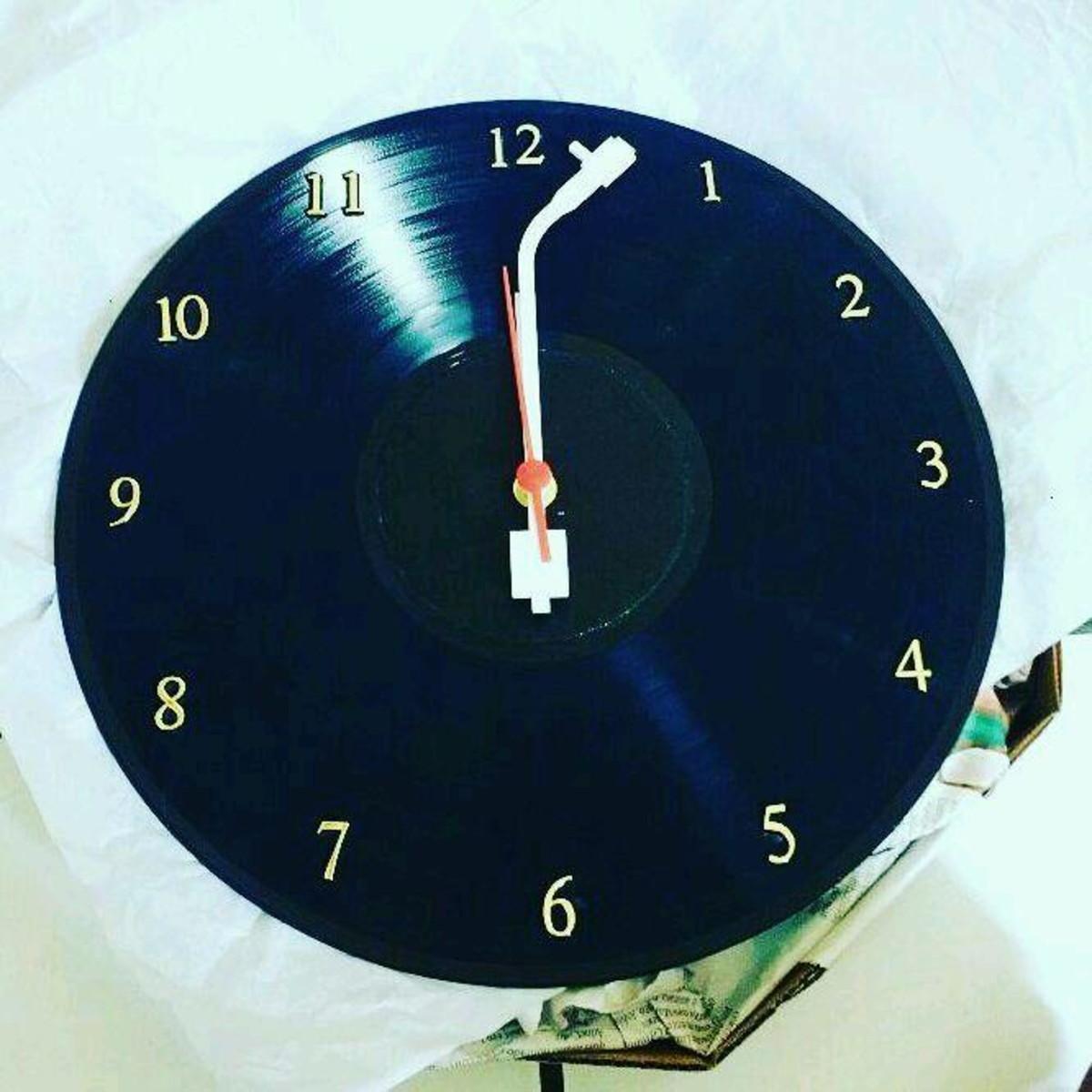 68b0532dff1 Relógio Vintage no Elo7