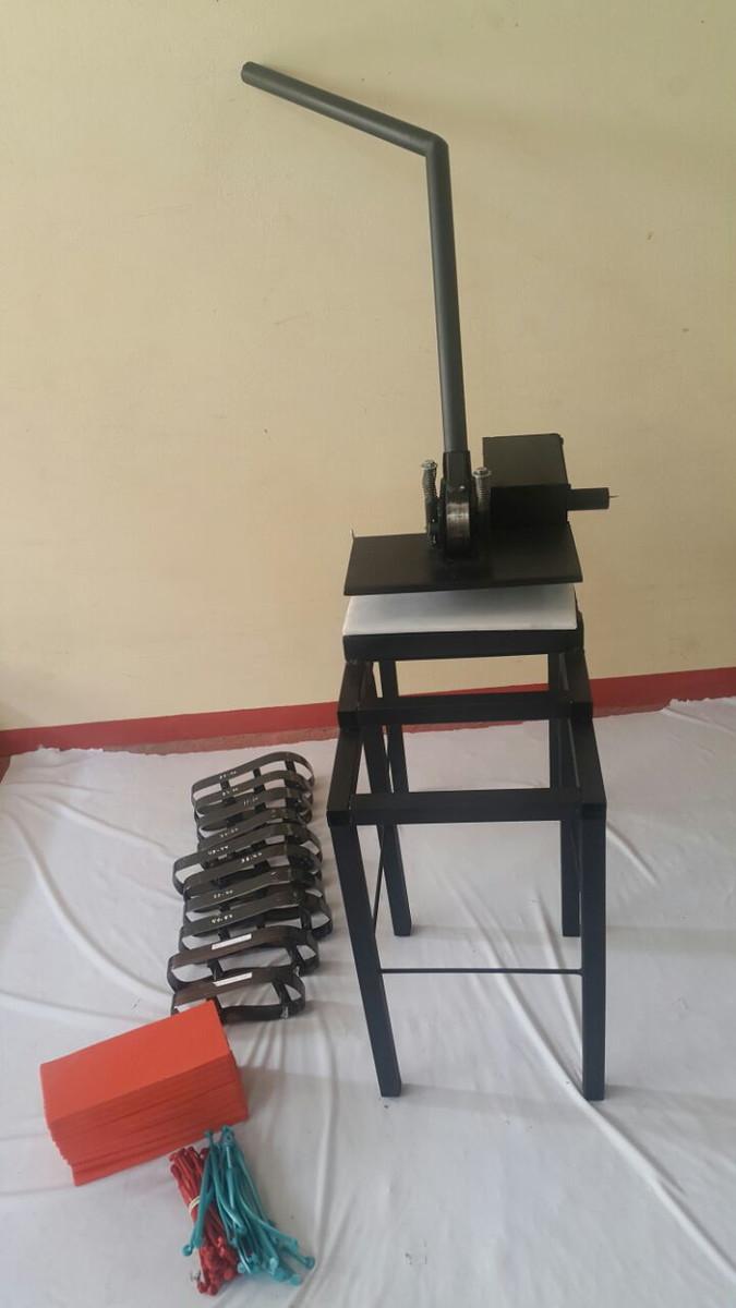 ef1ed93d9c5 máquina de fazer chinelos completa no Elo7