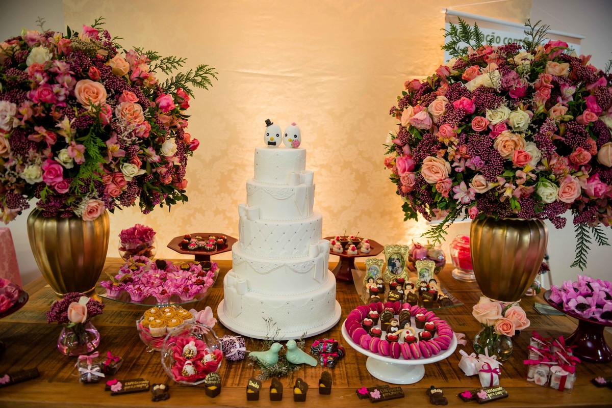 Arranjo flor natural p mesa de bolo e doce no Elo7 Requint Festas Decorações (BABA19) -> Decoração De Flores Festa