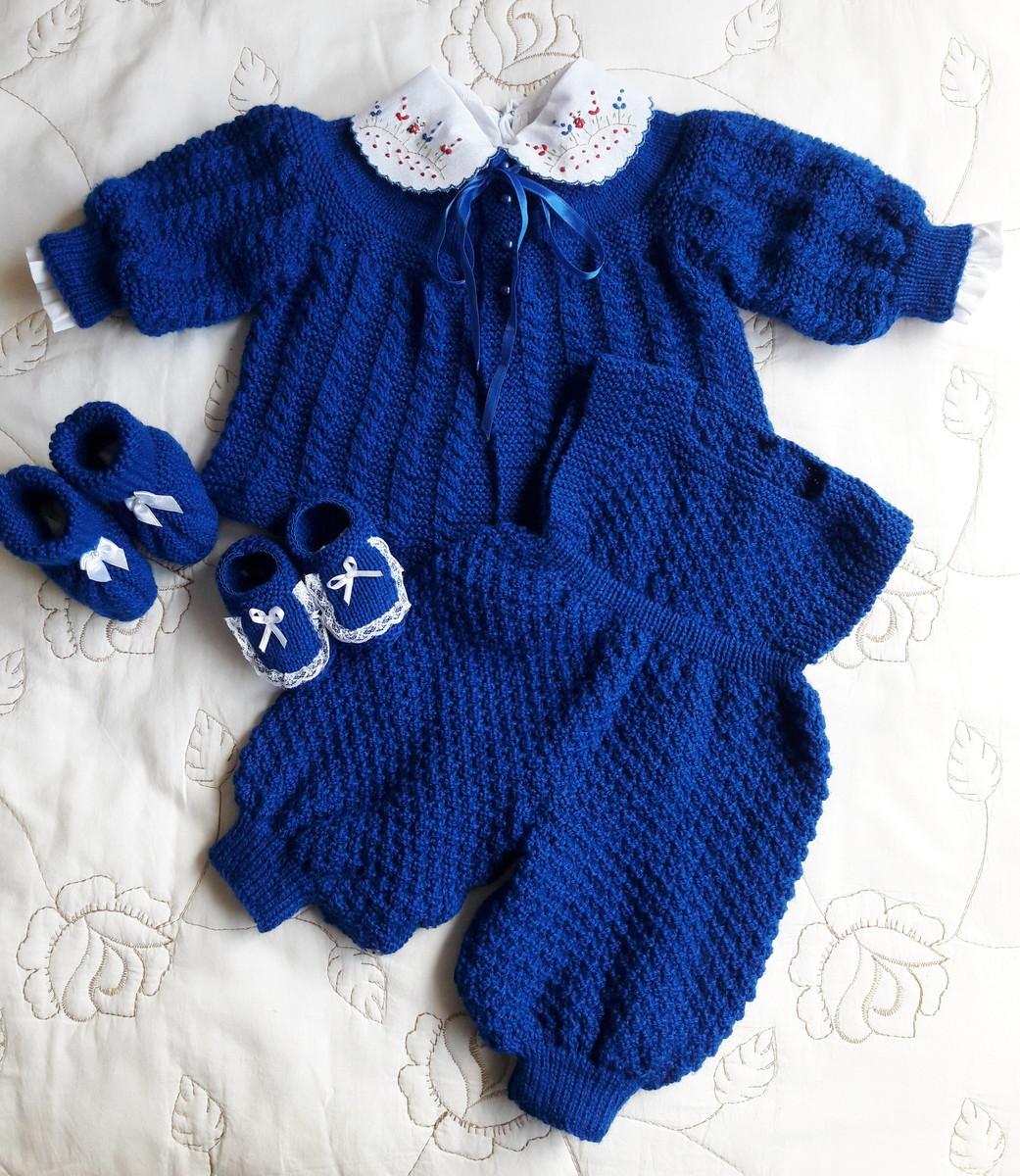 fbfe44bb65 Conjunto em tricô feito a mão azul no Elo7