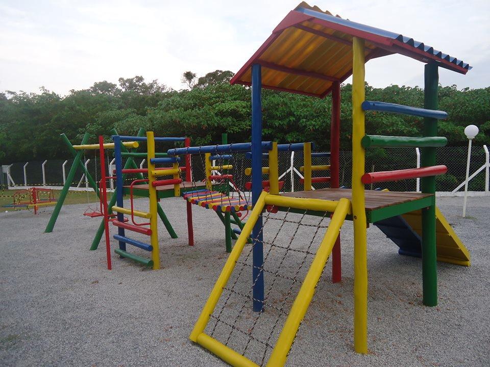 da2d52380a8 Playground Em Madeira Eucalipto Com Ponte E Balanço no Elo7 ...