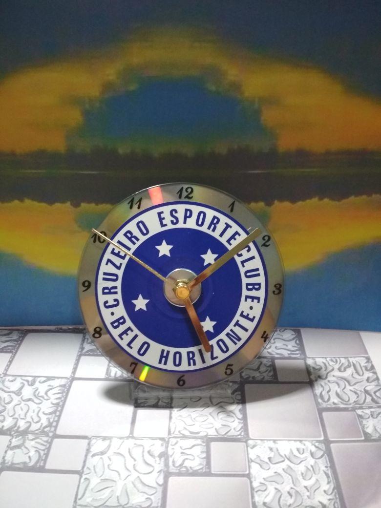 6427f4d836f Relógio de Mesa Cruzeiro no Elo7