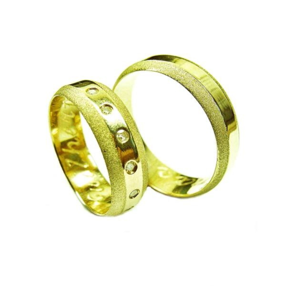d263543f20aa6 Aliança de Ouro 18k Lisa com Brilhantes e Diamantada - (Par) no Elo7 ...