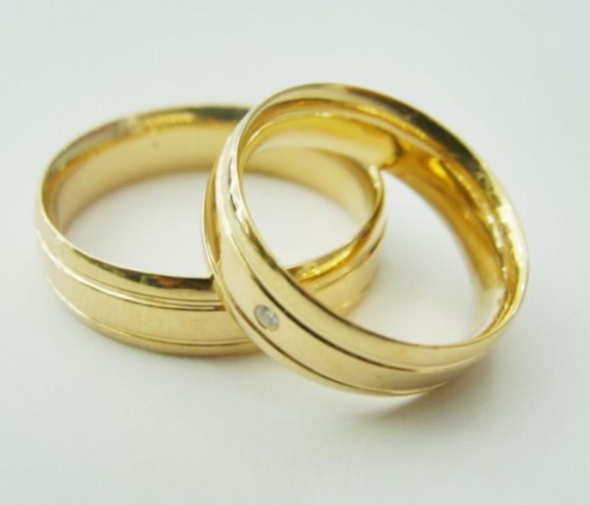 Aliança de Ouro 18k Diamantada 2 frisos e Brilhante - (Par) no Elo7 ... 947f167e1b