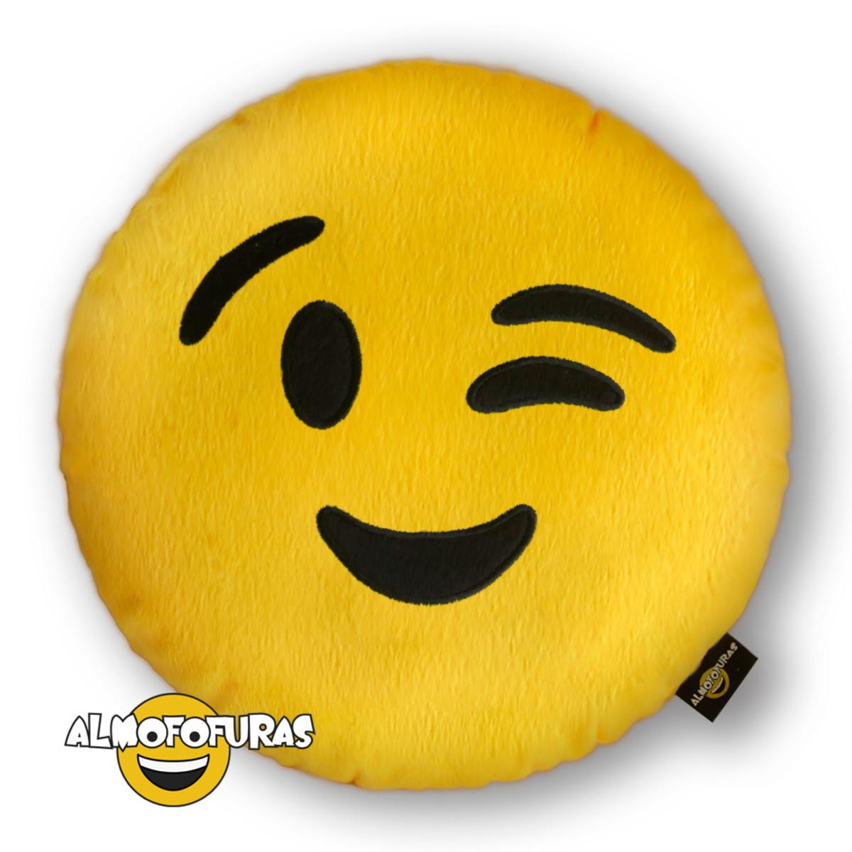 Almofada Emoji Pelúcia Bordada Whatsapp Piscando Piscada no Elo7 ... 3e6c224143