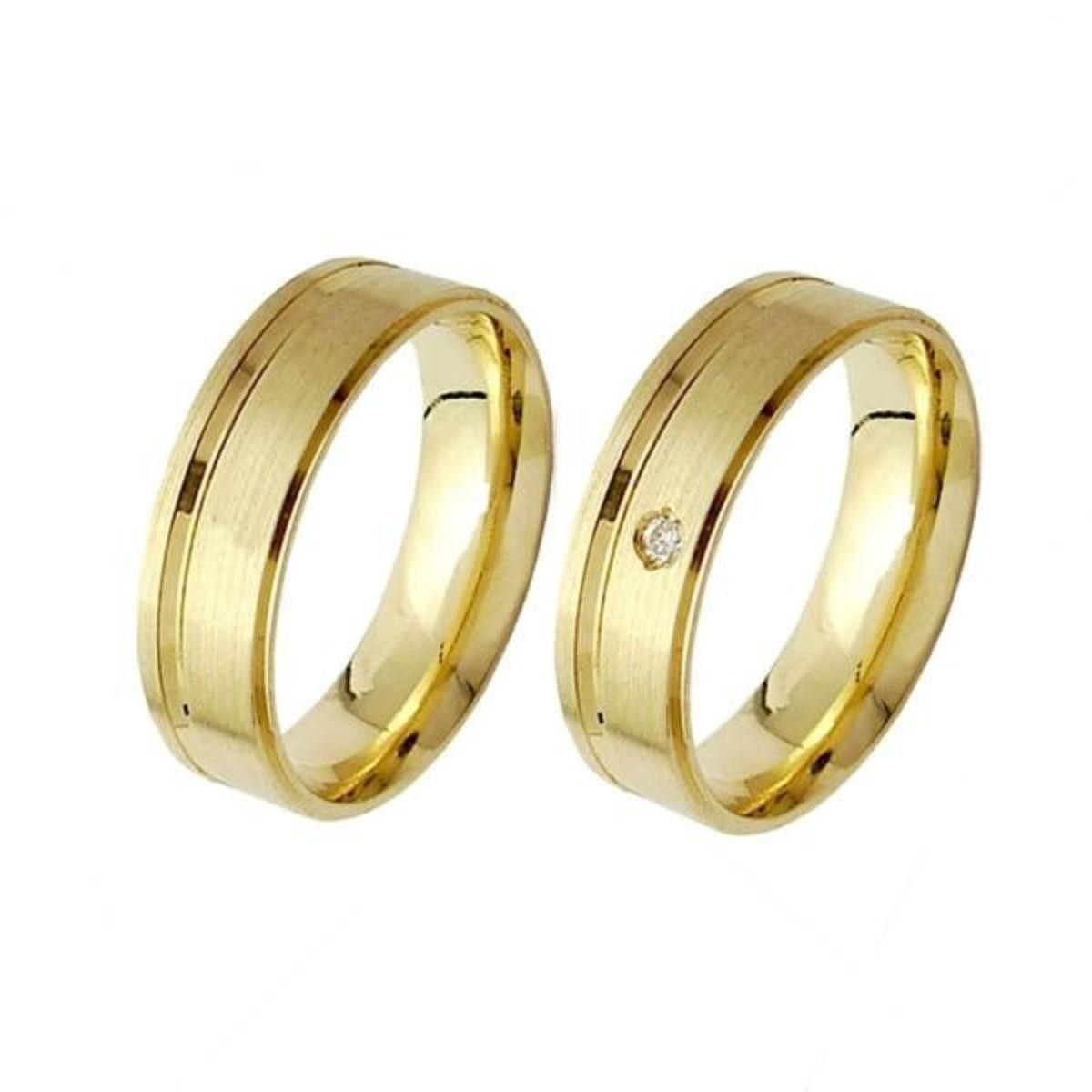 Aliança de Ouro 18k com Friso e Diamante na Feminina - (Par) no Elo7 ... 3bdb592eff