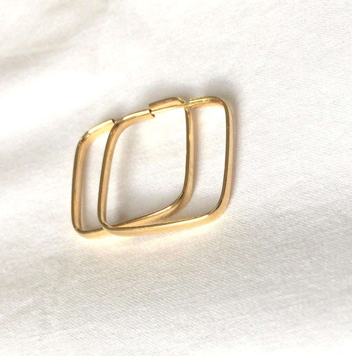 573b66cd26720 Brinco de ouro - argola quadrada 2cm no Elo7