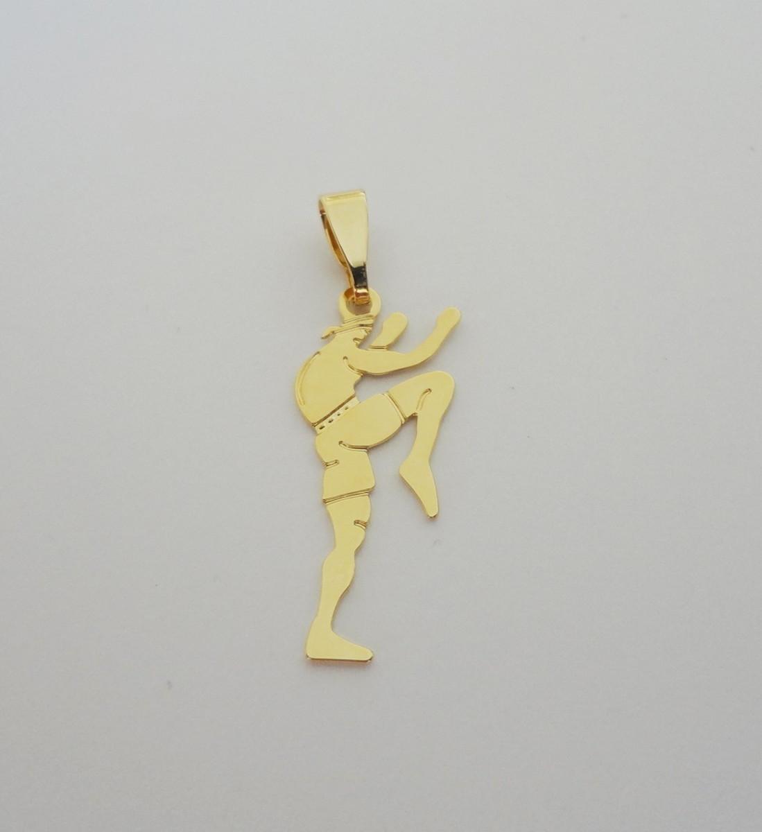 Pingente Folheado a ouro - Fitness - Luta - Homem no Elo7   Pedra do ... 366316fcaf