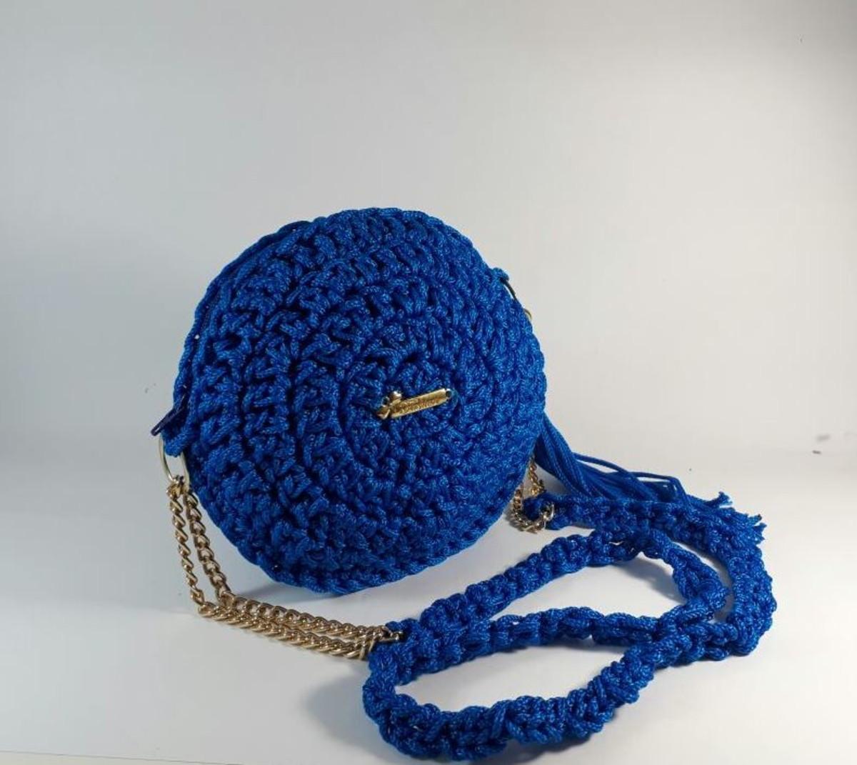 556773ac119 Bolsa de crochet redonda azul elétrico no Elo7 | Jô Maia Artes (C2C6F5)