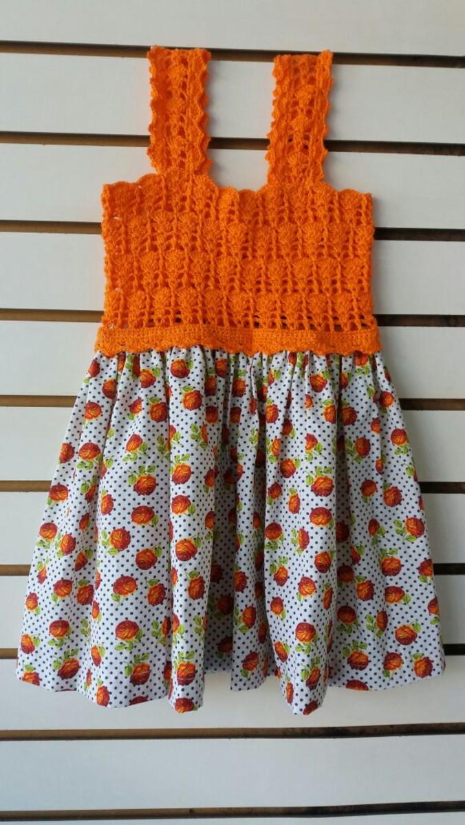 63d3df6b7 Vestido infantil com pala de crochet e tecido - Laranja no Elo7   De ...