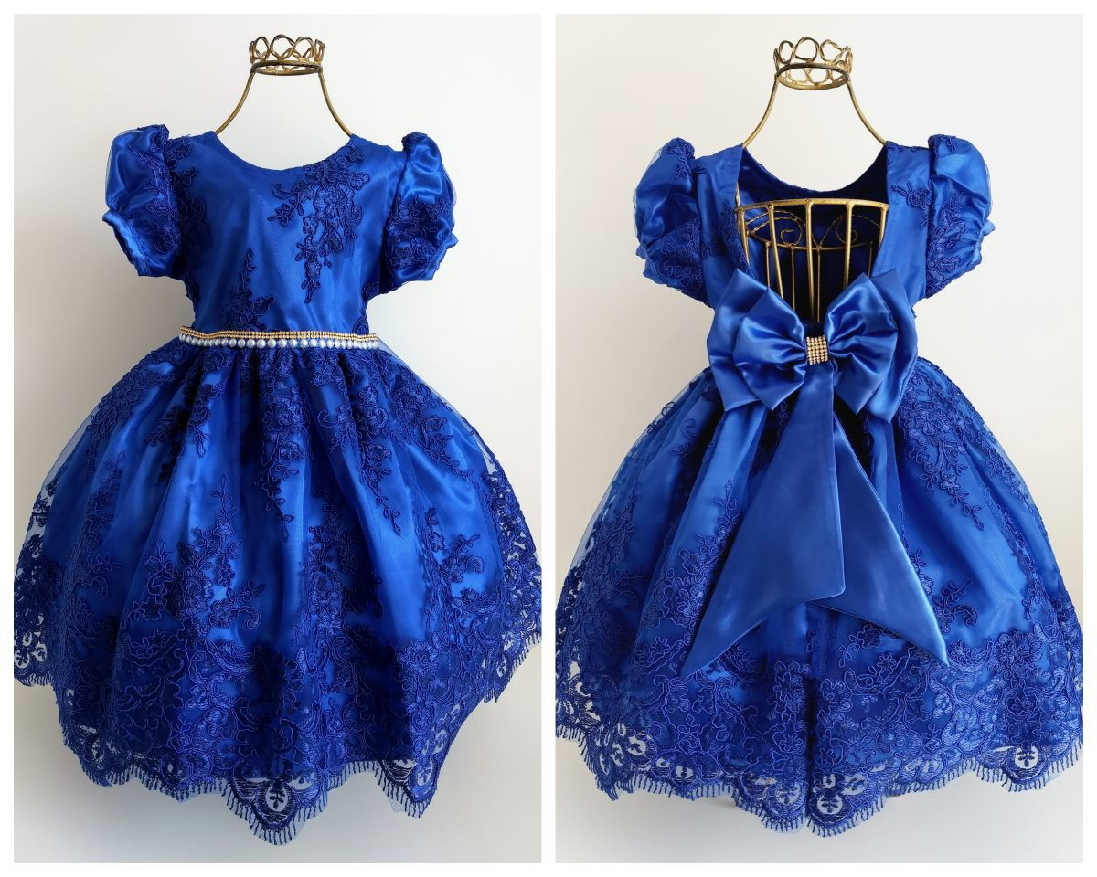 Vestido azul de festa com renda