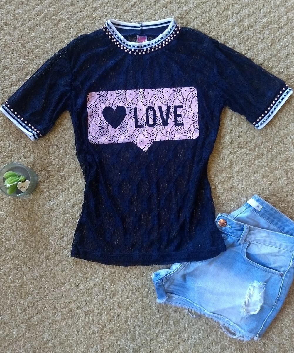 965098d35a Camiseta bordada Love de renda no Elo7