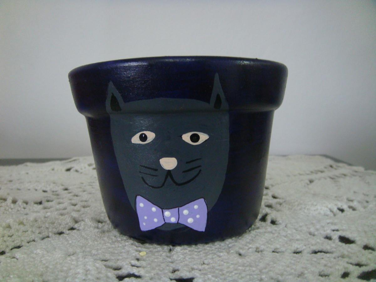 c55a6ebb021 Cachepot com desenho de gato em cerâmica no Elo7
