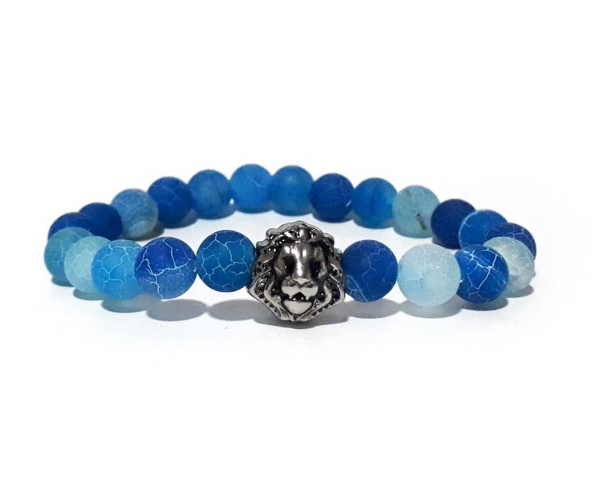 90ee7550ba7 Pulseira Pedra Ágata Azul Craquelada Leão no Elo7
