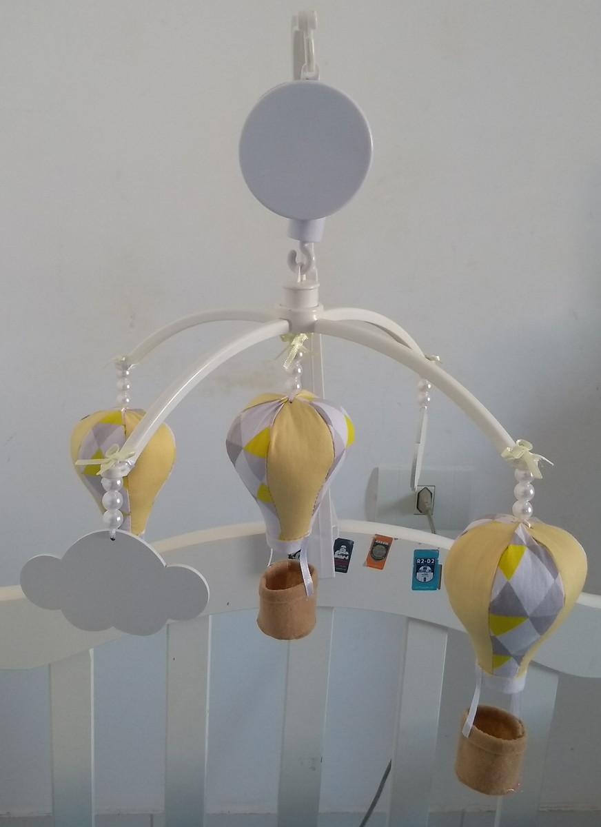 bdec865a3 Mobile musical giratorio berço nuvem balão no Elo7