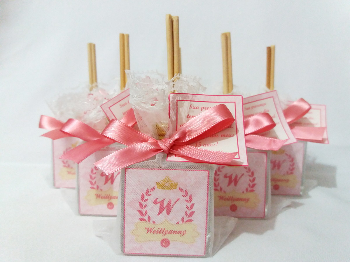 Debutante party giveaways