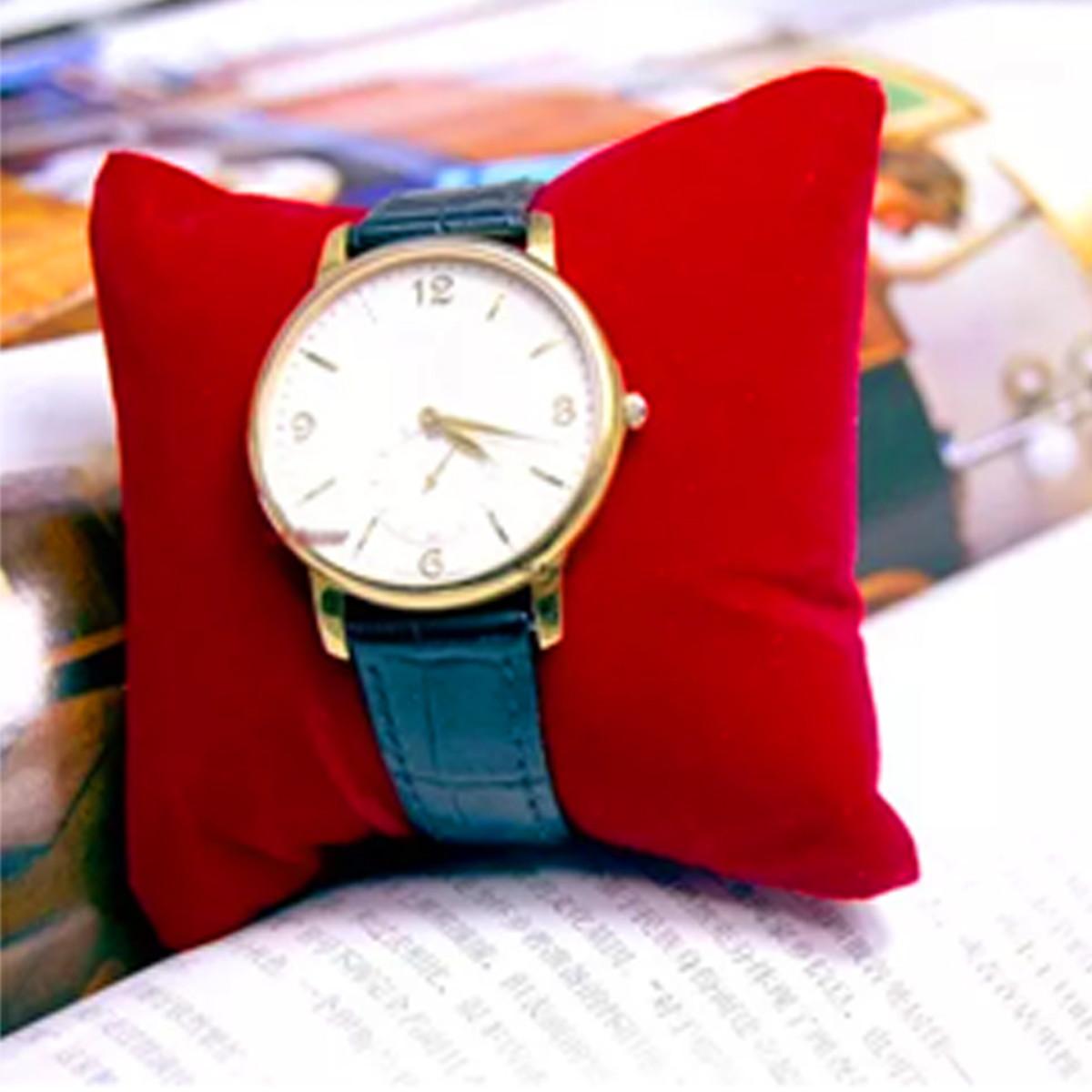 61f24b4d339 Mini Almofada para expor Joias -Relógios - Bijuterias.. no Elo7 ...