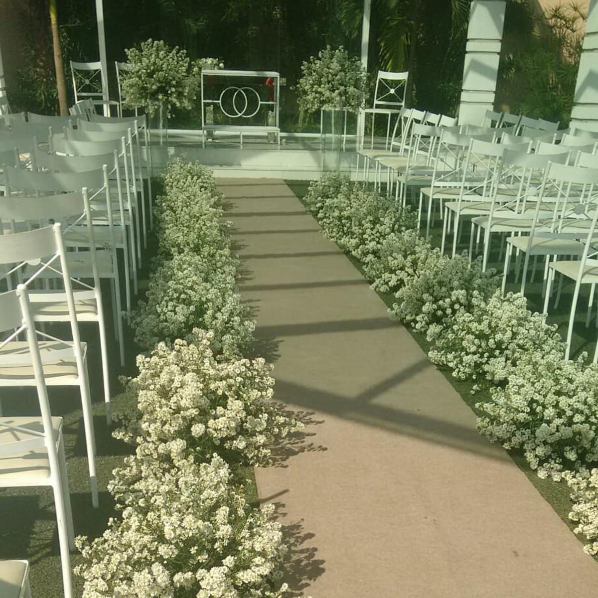 Cerim u00f4nia de casamento com flor natural deÁster no Elo7 Requint Festas Decorações (C06532) -> Decoração De Bolo Com Flor Natural