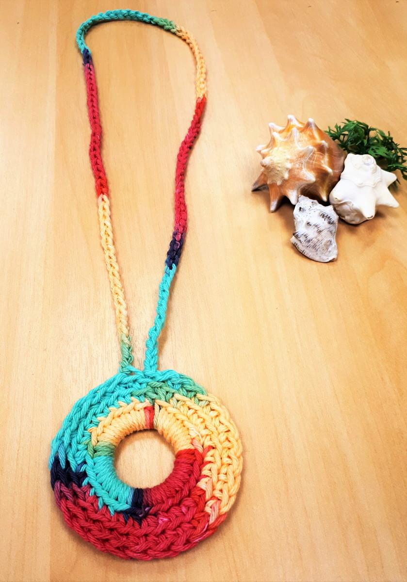 1c5809208a774 Colar Praiano Maxi Crochê Colorido Barbante Ecológico no Elo7 ...