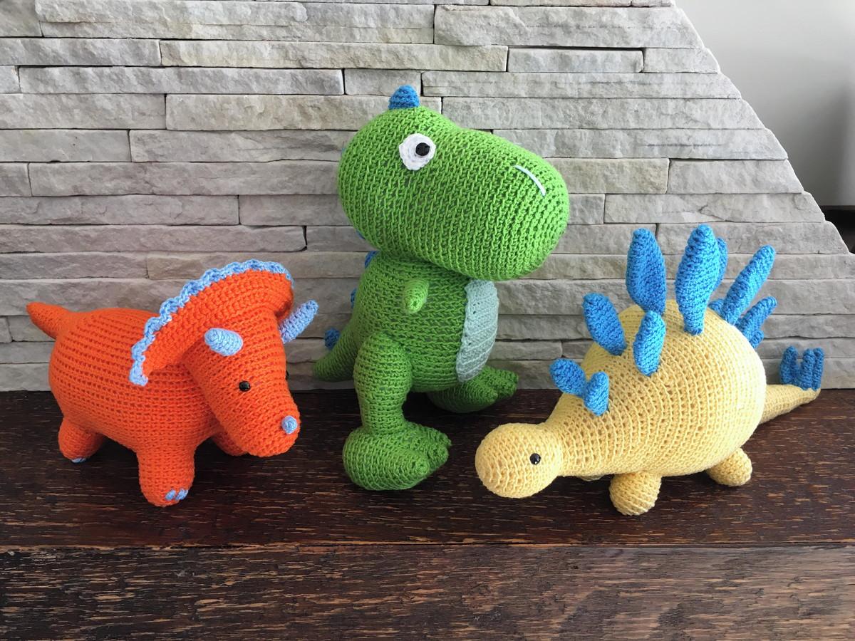 FREE PATTERN: Arlo from 'The Good Dinosaur' | Dinossauro de crochê ... | 900x1200