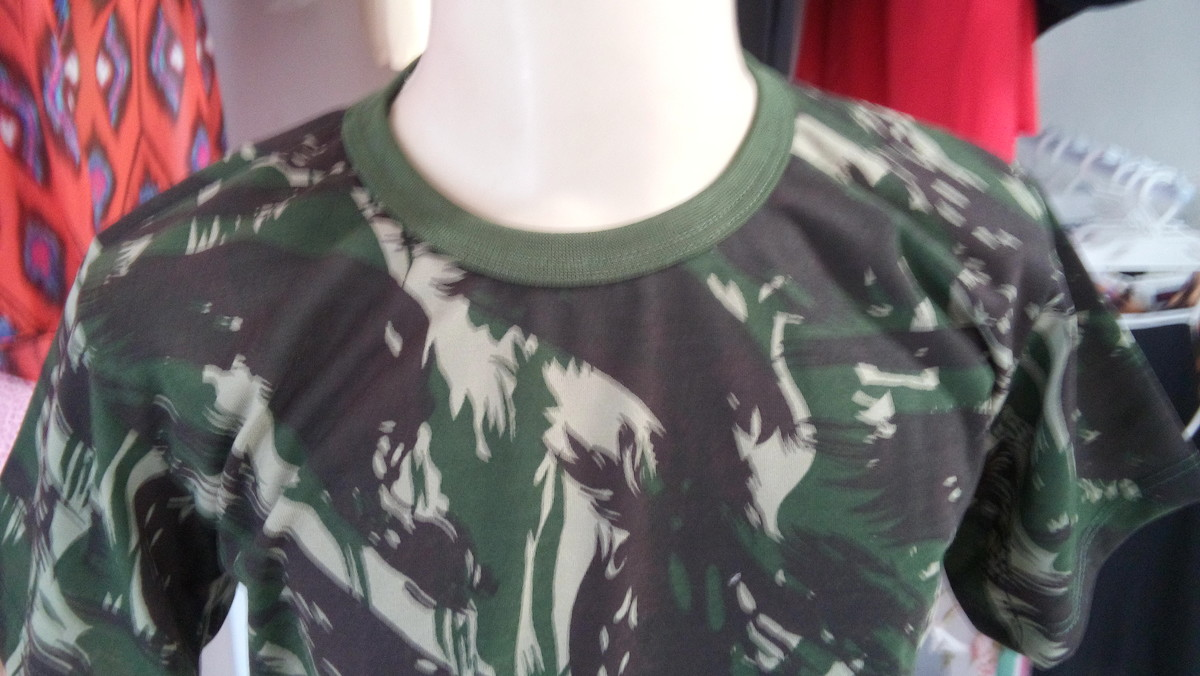 d1a5c93a74742 50 Camisas Camuflada infantil mais 50 Pinturas no Elo7   Ademir de ...