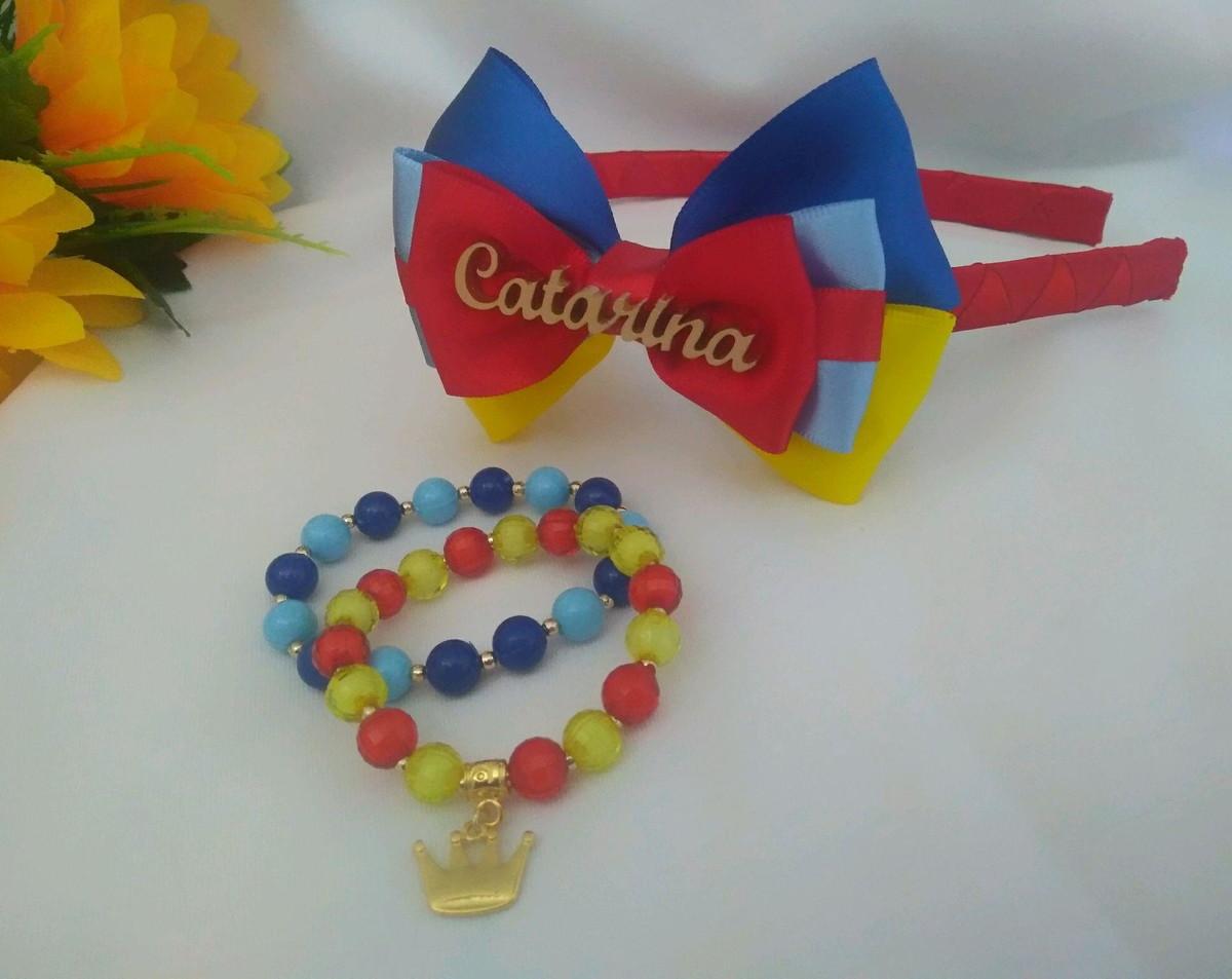 efe600d361cdd9 Kit infantil arco + pulseiras Branca de Neve