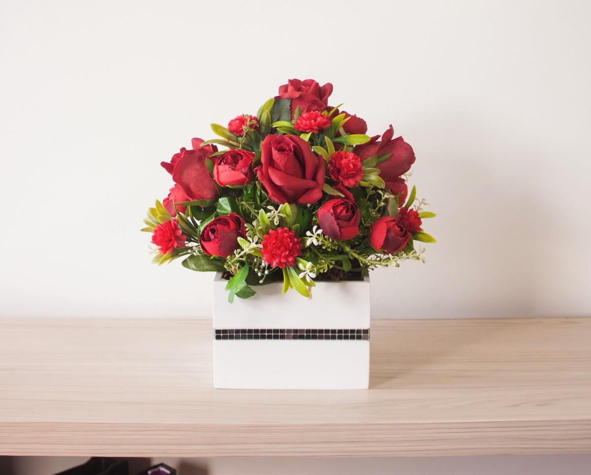 d3a167abe Zoom · Arranjo flor artificial rosa vermelha