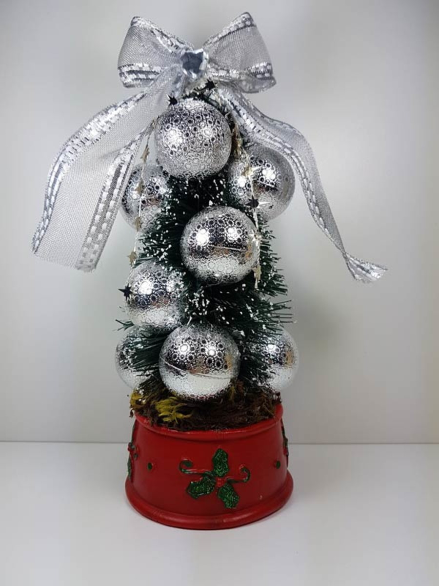 bc141634bcab Mini Arvore de Natal com papai Noel no Elo7 | Decor Marias (ACEFB6)