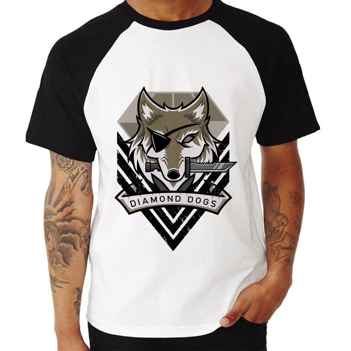 9c13ad4adea38 Camisa Raglan Metal Gear Solid V Diamond Dogs Manga Curta no Elo7 ...