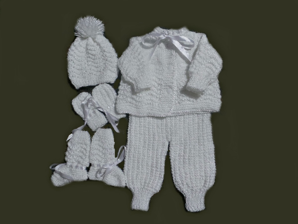 4172bb791 Conjunto em tricô à mão para bebês RN- Pronta entrega! no Elo7 ...