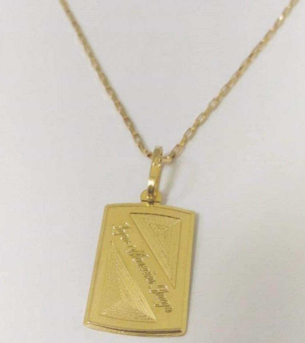 7d994c4b9b6 Zoom · Corrente Cartier com Pingente Medalha Personalizado em Banho