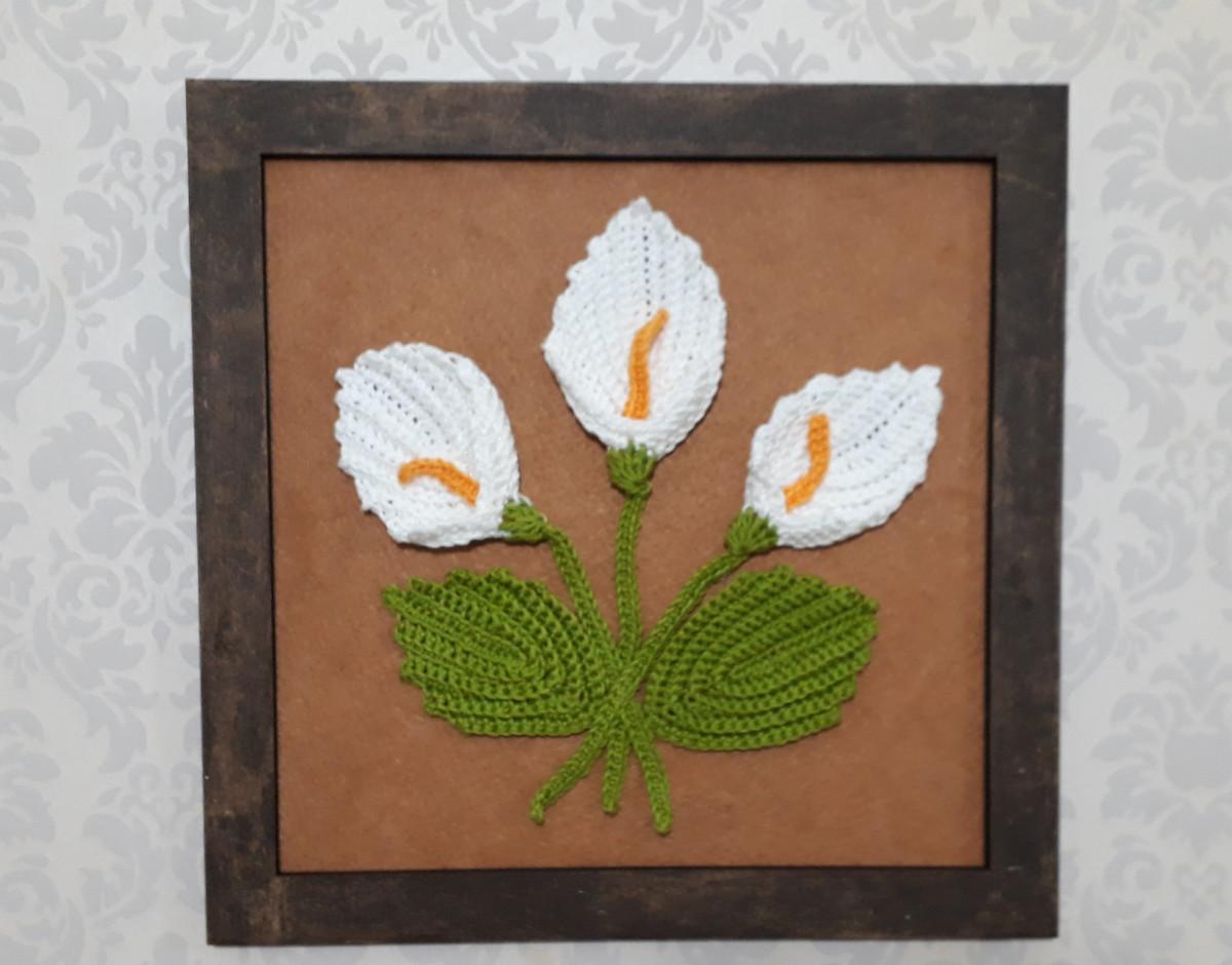 Quadro Com Flores De Crochê Copo De Leite