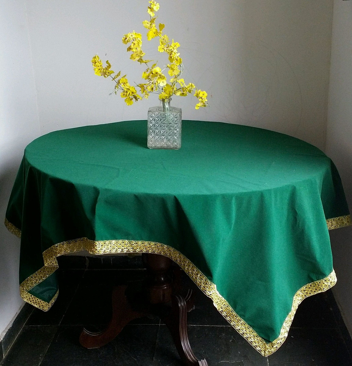 Toalha de Festas em Veludo Verde no Elo7  246e67a6e0372