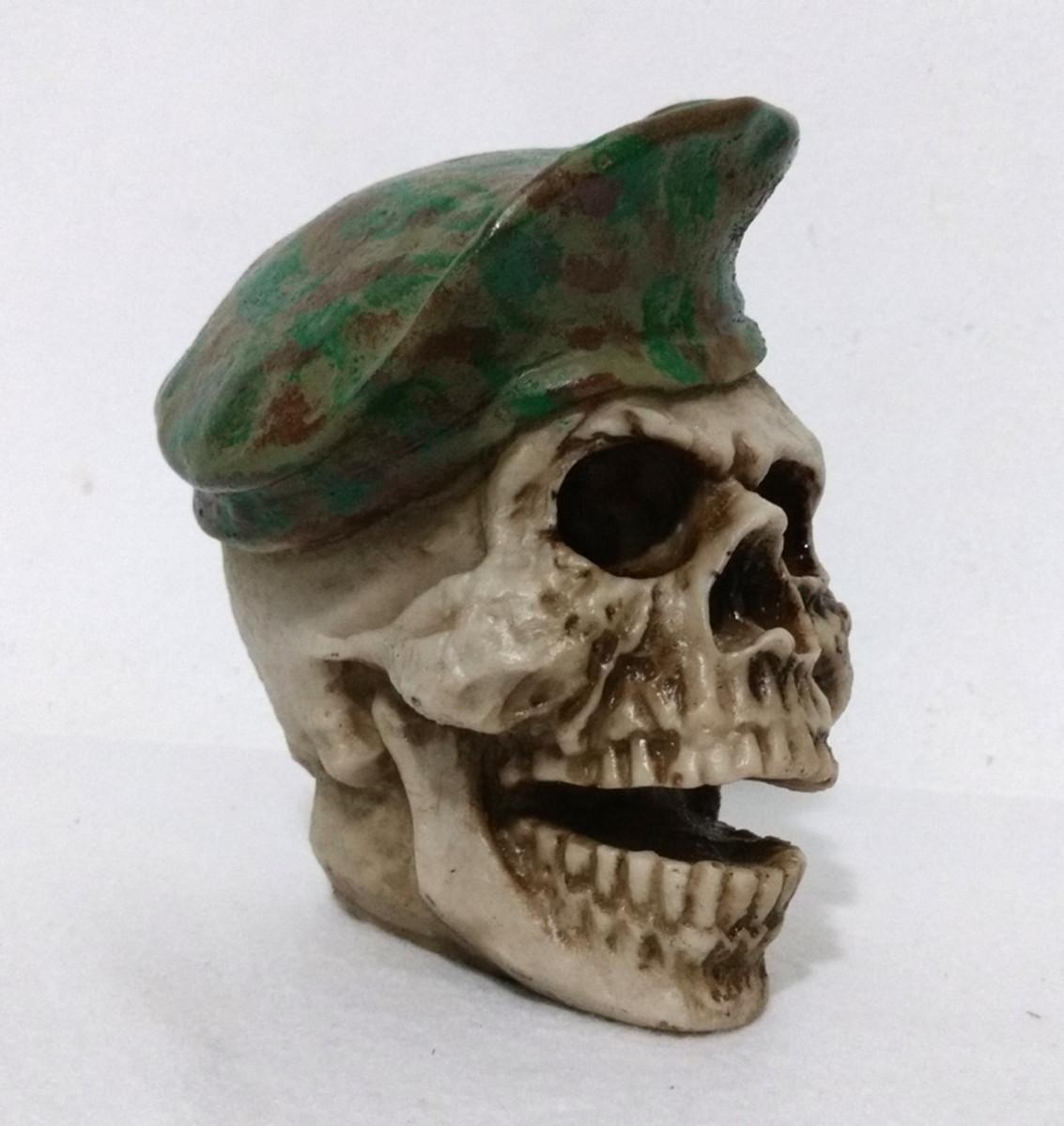 Crânio Boina verde camuflagem no Elo7  53eb3aa625e