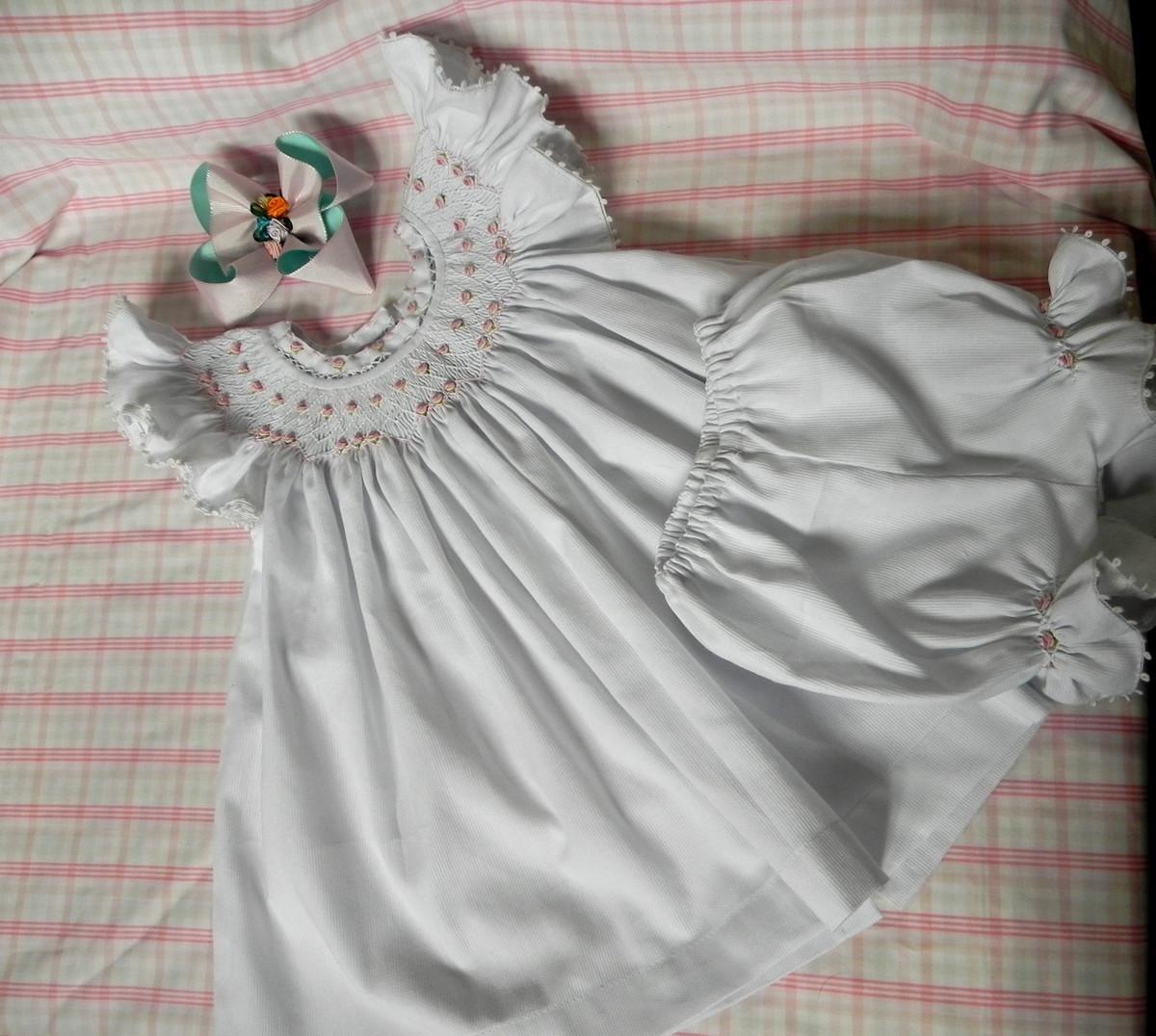 f2578bab20 Vestido Infantil bordado no Elo7