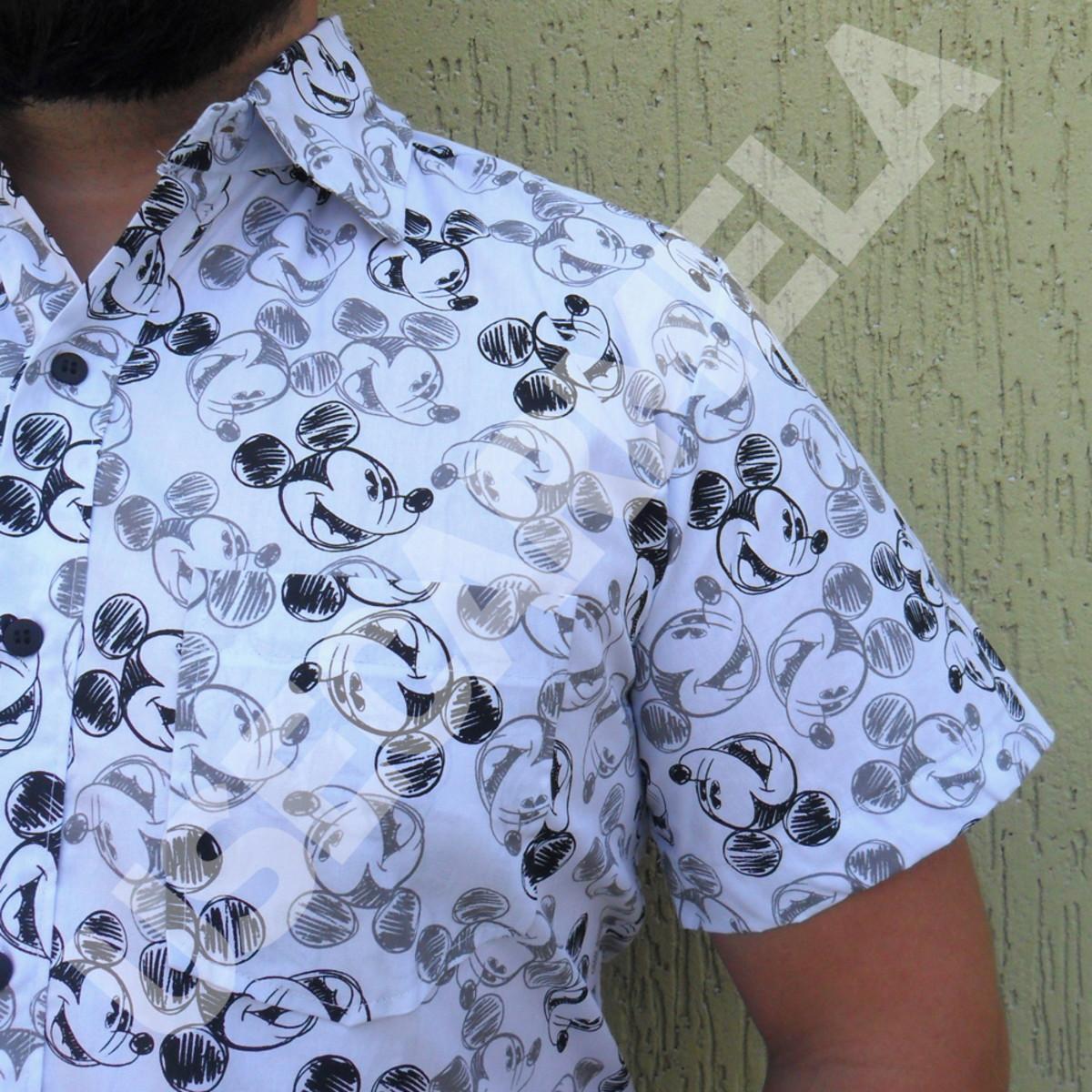 318136a991 Camisa Masculina - Mickey no Elo7